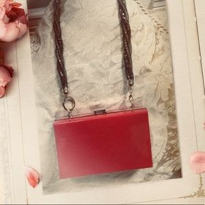 Red chic cross body purse - NWOT